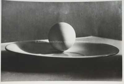 Josef Sudek - Vajíčko na talíři
