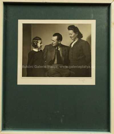 Josef Sudek - Portrét E. Famíry s rodinou