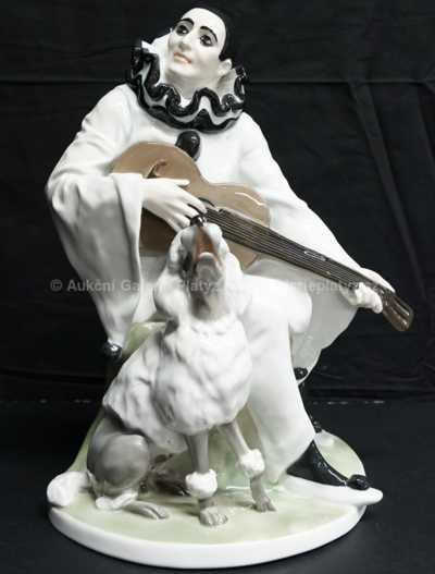 Porcelán - Pierot s kytarou